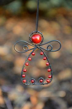 Andělíček červený. Vánoční ozdoba. / Zboží prodejce RoníkoVo | Fler.cz Xmas, Christmas Ornaments, Wire, Metal, Projects, Log Projects, Blue Prints, Christmas, Christmas Jewelry