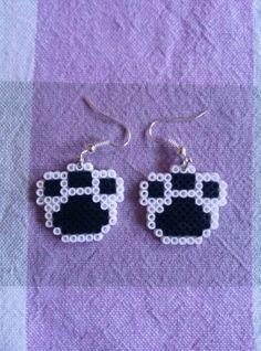 Pendientes huellas hama beads