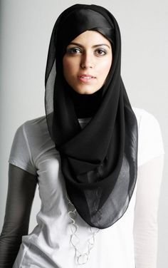 If the Mary appears wearing a veil on all of her pictures, how can you hate hijab, the Muslim head scarf? When your argument is that non-acceptance or appreciation for hijab . Muslim Women Fashion, Islamic Fashion, Hijabs, Turban, Beau Hijab, Collection Eid, Simple Hijab, Islamic Clothing, Girl Hijab