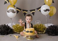 Birthday photoshoot men little man 51 Ideas Boys First Birthday Cake, Little Man Birthday, First Birthday Photos, Baby Birthday, 1st Birthday Parties, Birthday Cakes, Birthday Ideas, Cake Smash Photography, Birthday Photography