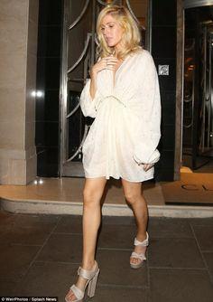 elizabethswardrobe: Ellie Goulding in Stella McCartney in London