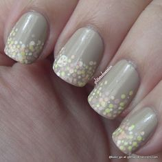 glitterobsession: Sand dollar and sea shell nail art
