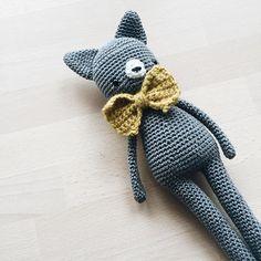 Ich finde die Farbe von der Katze auch so toll. 😊 Wie ein Stein ~ #amigurumi #amigurumis #crochet #häkeln #cat #craftastherapy #crochetlove #crochetcat #makersgonnamake #hekling #amigurumitoy #crocheting #crocheted #croché #hekling #virka #crochetersofinstagram #instacrochet #crochetpattern #amigurumilove #yarn #crochetaddict #ilovecrochet #doll #crochetdoll #crochetdolls #kidsroomdecor #handmadetoy #makersgonnamake #kidsstuff