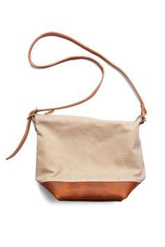 Wood&Faulk Field Bag in Natural Saddle