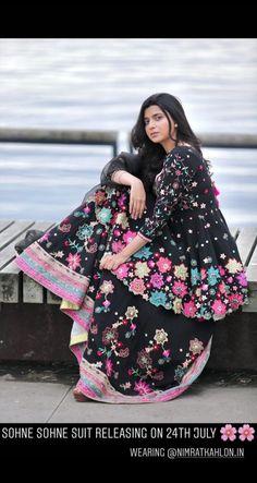 New song sohne sohne suit Indian Wedding Lehenga, Indian Wedding Outfits, Indian Outfits, Pakistani Bridal, Bridal Lehenga, Punjabi Suits Designer Boutique, Indian Designer Suits, Indian Designers, Indian Fashion Dresses
