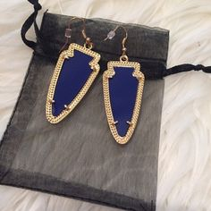 Kendra Scott Inspired Skylar Arrow Earrings Beautiful earrings inspired by the designer Kendra Scott's fabulous Skylar collection.  These earrings are very lightweight. Made from zinc alloy resin. This listing is for a cobalt blue pair. Comes with jewelry bag shown. Great pair of earrings for a fraction of the price! Bundle & save!  Jewelry Earrings