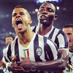 Sebastian Giovinco y Kwadwo Asamoah  Juventus Juventus Fc, Club, Trx, Fc Barcelona, Messi, Crushes, Soccer, Football, Country