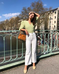 What's the best way to style your white jeans for spring and summer? Take a look at the top six trends that look chic with white jeans. Cute Dress Outfits, Summer Outfits, Canal Saint Martin, White Jeans Outfit, White Pants, See By Chloé, Jeanne Damas, Girl Fashion, Fashion Outfits