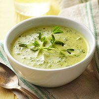 Pea shoot soup - subbed no fat greek yogurt for cream and beef broth for veggie stock, added parsley and kale to greens Pea Recipes, Soup Recipes, Healthy Recipes, Healthy Food, Recipies, Dinner Recipes, Healthy Eating, Onion Vegetable, Vegetable Puree