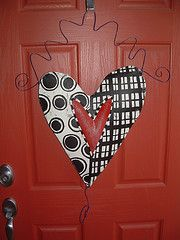 non-traditional valentine door hanger Valentine Wreath, Valentine Day Love, Valentine Day Crafts, Valentine Decorations, Holiday Crafts, Valentines, Burlap Decorations, Cruise Door Decor, Crafts To Make