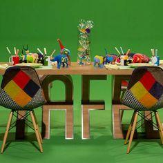 DNT Seisoen 3 - Episode 7 - Tafel toe Table Settings, Kids Rugs, Toe, Ideas, Home Decor, Decoration Home, Kid Friendly Rugs, Room Decor, Place Settings
