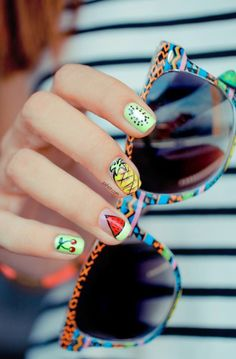 these nails are so fun and summery!