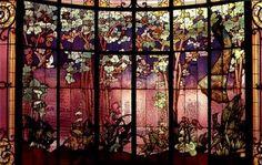 Gabriel Argy-Rousseau Pate de Verre Vase with Salamanders Circa 1925 Art Nouveau, Art Deco, Stained Glass Designs, Stained Glass Art, Stained Glass Windows, Mosaic Art, Mosaic Glass, Mosaics, L'art Du Vitrail
