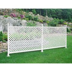 17 Lattice Fence Examples Awesome Ways To Use Fences