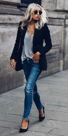 f4c5b337c Match denim jeans blazer effortlessly chic style Lucy Connelly rocking navy  blazer grey V neck jeans