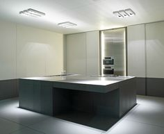 Show kitchen at Interieur 08 by Belgian architects Minus.