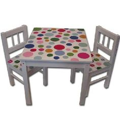 Spotty children's table and chairs