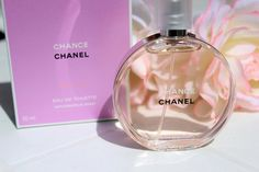 Mariposas en el armario: CHANCE EAU VIVE, nueva fragancia de CHANEL. Chance Chanel, Perfume Bottles, Beauty, Fragrance, Butterflies, Wardrobes, Trends, Living Water, Perfume Bottle