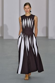 2cae3080671ecd Jasper Conran SS17 Womenswear Collection Define Fashion, I Love Fashion, Fashion  Fashion, Fashion