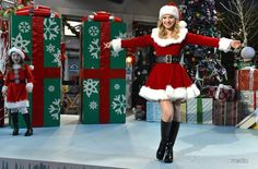 Dove Cameron as Cutie Claus Liv And Maddie Characters, Santa's Helper Costume, Liv Rooney, Dove And Thomas, Bella Thorne And Zendaya, Dove Cameron Style, Santa Outfit, Santa Costume, Chloe