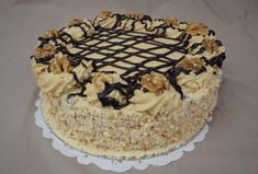 Ehhez a tortához nem kell sem tej, sem tojás, mégis imádni fogod! Poppy Cake, Hungarian Recipes, Wedding Cake Designs, Cake Decorating, Clean Eating, Food And Drink, Cooking Recipes, Sweets, Snacks