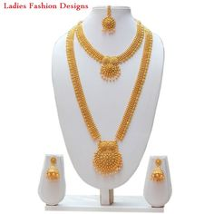 Latest New Look Gold Long Haram Designs - Fashion Beauty Mehndi Jewellery Blouse Design Gold Haram Designs, Gold Earrings Designs, Gold Jewellery Design, Necklace Designs, Gold Mangalsutra, Gold Jewelry Simple, Bridal Jewelry, Bridal Necklace, Fashion Jewelry