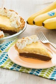 Black bottom Banana Cream Pie from Chiquita Banana Fun Desserts, Delicious Desserts, Dessert Recipes, Banana Recipes, Pie Recipes, Banana Ice Cream, Pie Dessert, Cream Pie, Bananas