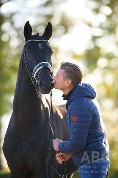 Why haven't I seen this on my dash yet?Edward Gal & GLOCK's Toto Jr.!I think they're gonna be amazing. Picture ©Arnd Bronkhorst Photography