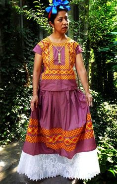 Traditional Huipil Oaxaca, Frida Red Dots