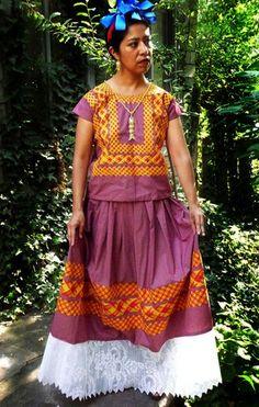 Traditional Huipil Oaxaca, Frida Red Dots
