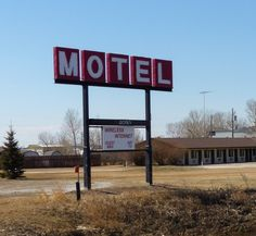 » Brokeback Mountain then and now – motel exterior