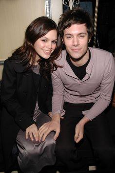 Pin for Later: Y'aurait-Il Une Malédiction Chez Les Co-Stars? 30 Couples Qui N'ont Pas Tenu La Route Rachel Bilson et Adam Brody