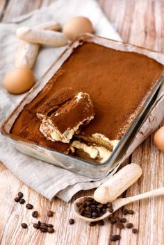 oeuf, sucre roux, sucre vanillé, mascarpone, biscuits à la cuillère, café, cacao amer