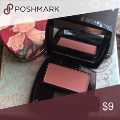 Bundle📦-Mauve Luminous Blush Pop of luminous color!  Build able; skin-enhancing shade goes on soft and sheer.  Silky, smooth, long-wearing color. Bundle suggest. Avon Makeup Blush