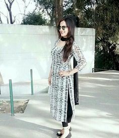 @sardarniii Pakistani Suits, Punjabi Suits, Pakistani Dresses, Indian Dresses, Indian Outfits, Patiala Salwar Suits, Churidar, Dress Indian Style, Indian Wear