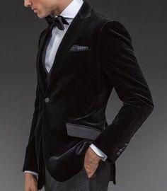 Paul Stuart - Velvet Phillip Dinner Jacket mens style / mens fashion That's so hot! Sharp Dressed Man, Well Dressed Men, Velvet Dinner Jacket, Velvet Jacket, Velvet Suit, Velvet Blazer, Mens Dinner Jacket, Dinner Jackets, Dinner Suit