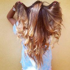 Innanzitutto è necessario chiarire prima di elencare quali sono i rimedi naturali per schirire i capelli un particolare fondamentale: se siete more, l'unic