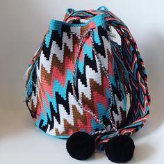 4 отметок «Нравится», 1 комментариев — Wayuu by ma (@wayuu_zi) в Instagram: « Wayuu style . #일상 #wayuu #wayuubags #wayuustyle #wayuubag #신상 #와유백 #칠라백 #모칠라 #맞팔 #소통 #선팔»