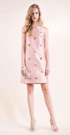 Abiti da cerimonia Luisa Spagnoli 2016 - Vestito rosa con applicazioni 74bbaa632c9