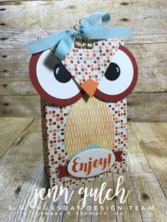 3D Thursday and a FREE Project Sheet. Gift Bag Owl using Stampin' Up! Tags & Trimmings, Gift Bag Punch Board and the Painted Autumn Designer Paper. Debbie Henderson, Debbie's Designs. #3DThursday #stampinup #debbiehenderson #debbiesdesigns #punchart #punchartowl #owl #giftbagpunchboard #giftbag