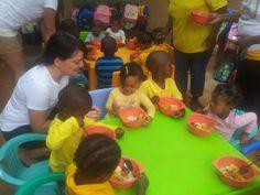 essende Kinder KITA Nkululeko Südafrika Orange Farm