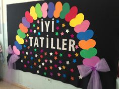 Excellent DIY Classroom Decoration Ideas & Themes to Inspire You Class Door Decorations, School Board Decoration, Diy Classroom Decorations, Birthday Party Decorations, Kids Crafts, Preschool Activities, Diy And Crafts, Paper Folding Crafts, Classroom Birthday