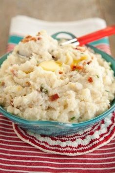 Fried Bacon Mashed Potatoes recipes side dishes paula deen recipes side dishes potlucks recipes side dishes ree d Paula Deen Mashed Potatoes, Fluffy Mashed Potatoes, Mashed Potato Recipes, Potato Dishes, Baked Potatoes, Soup Appetizers, Ppr, Best Dishes, Main Dishes