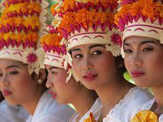 Balinese Girls by Gde Baloma on 500px - Balinese girls at a ceremony in Batubulan, Bali