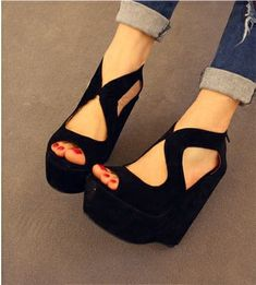 Recién llegado del verano 2016 sandalias femeninas cuñas de tacón alto de terciopelo plataforma de los zapatos de las sandalias