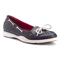 My favorite shoes! I should get another pair. Sebago Calypso Bow in Navy Ladylike Style, Yacht Club, Shoe Shop, Sperrys, Boat Shoes, Sailing, Bow, Pairs, Navy