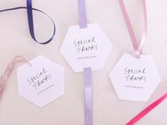 お洒落なデザインだけ厳選♡ミンネで見つけた可愛い「サンキュータグ」のデザイン6選* | marry[マリー] Message Card, Diy Wedding, Packaging Design, Wedding Planning, Wraps, Anniversary, Thankful, Gift Wrapping, Place Card Holders