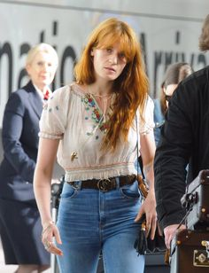 Florence Welch ✾ of Florence and the Machine Florence Welch Style, Florence Welch Hair, Florence Welsh, Vintage Outfits, Vintage Fashion, Vintage Music, Vintage Room, Retro, Beautiful Outfits