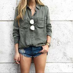 Camisa militar + short jeans