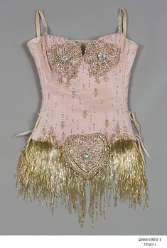 Details of Nicole Kidman's Pink Diamonds costume from the film Moulin Rouge. Details of Nicole Kidman's Pink Diamonds costume from the film Moulin Rouge. Showgirl Costume, Costume Carnaval, Burlesque Costumes, Movie Costumes, Dance Costumes, Ballet Costumes, Film Moulin Rouge, Satine Moulin Rouge, Moulin Rouge Outfits